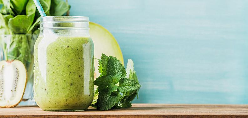 Aus dem Mixer in die Körperzellen – Grüne Smoothies
